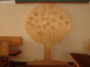 Taufbaum mit Namensäpfeln